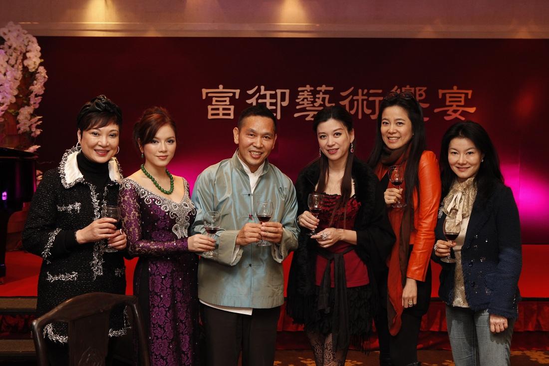 Image result for ly nha ky sang dai loan de bau chon vinh ha long