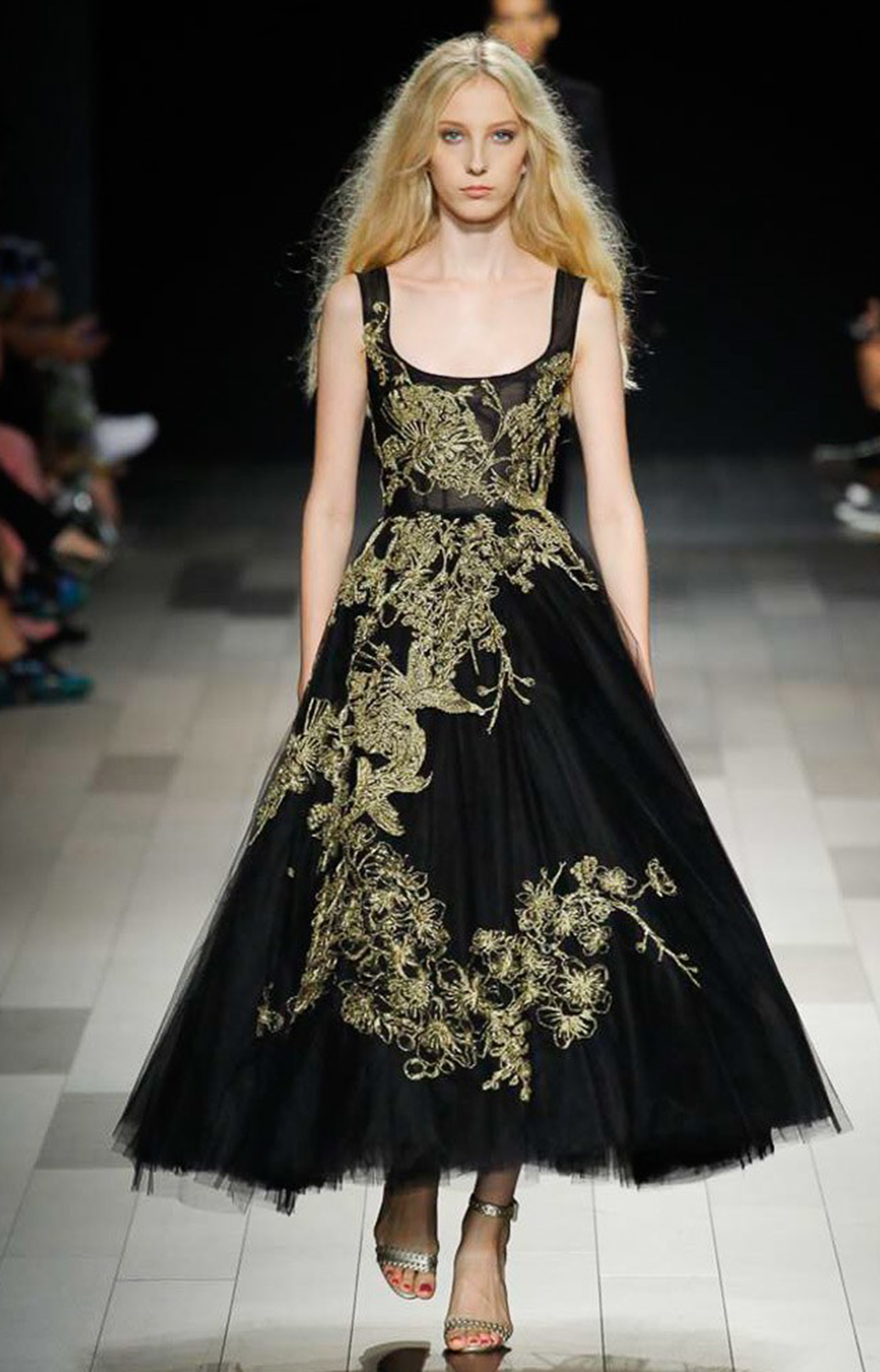 Marchesa<br>Spring 2018<br>Look 01