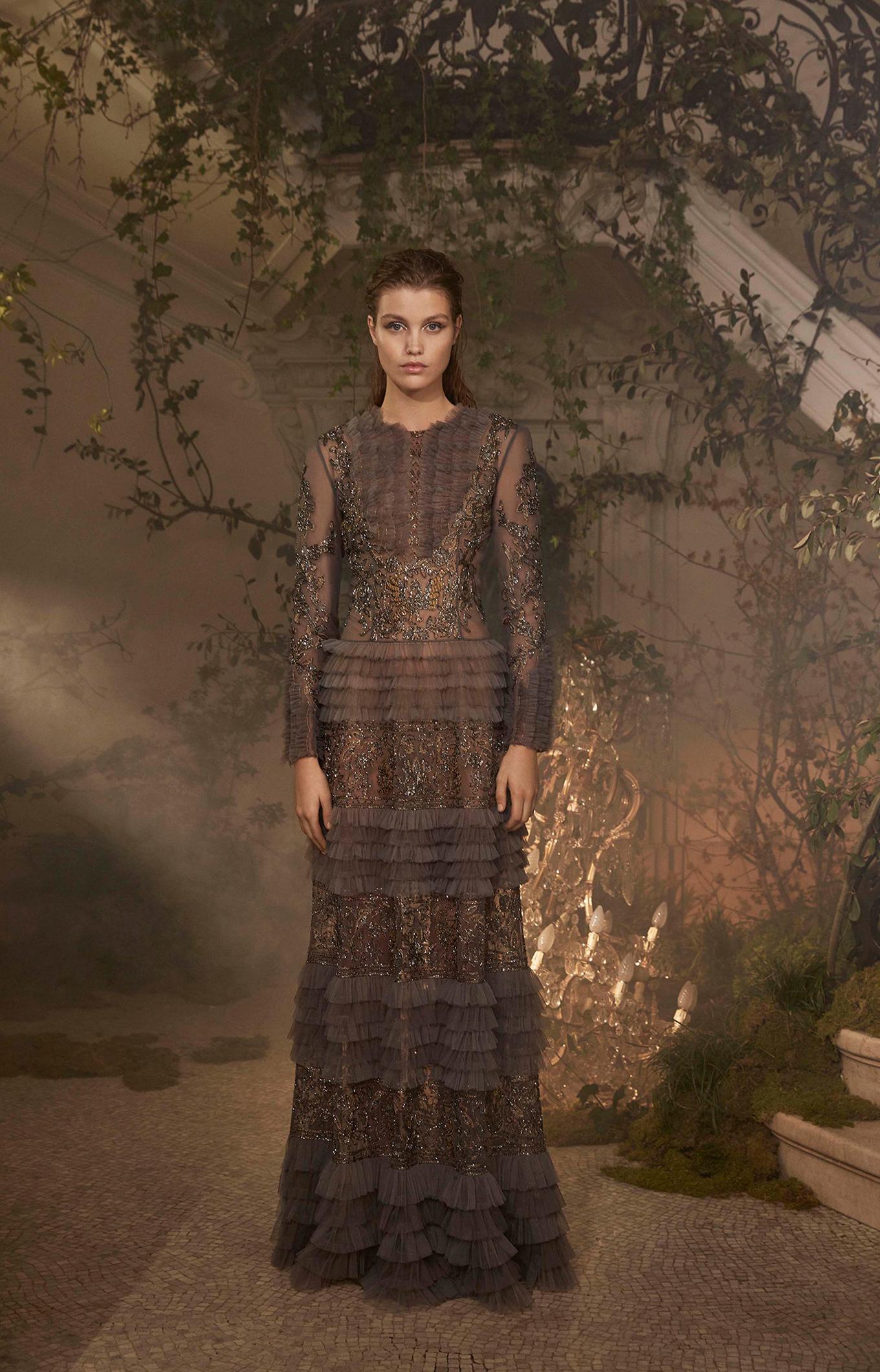 Alberta Ferretti<br>Spring 2018 Couture<br>Look 01