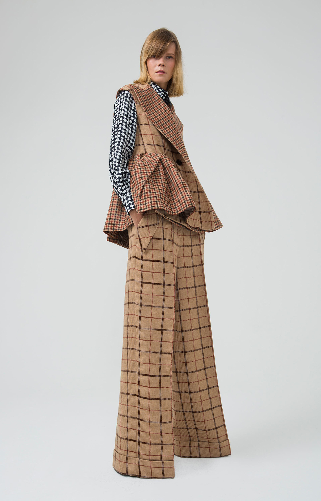 Dice Kayek<br>Pre-Fall 2018 <br>Look 01